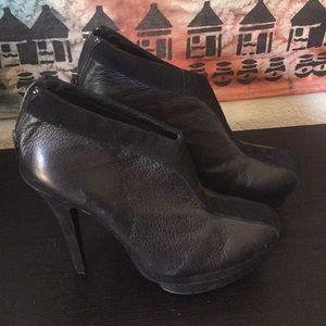 SALE! EUC YSL Y booties, size 36